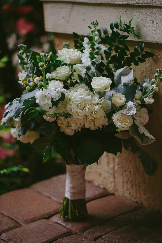 bouquet_wedding_day_tiny_hous_photo_bay_area_weddings_elopements.jpg