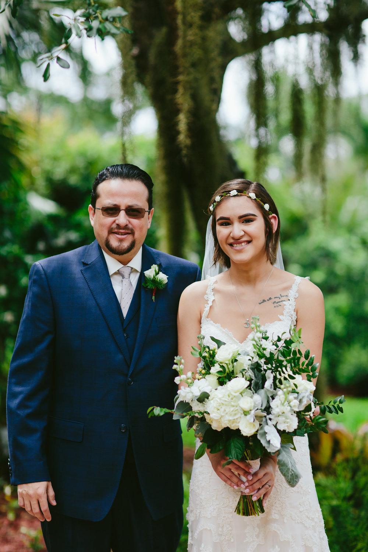 bride_dad_tiny_house_photo_weddings.jpg
