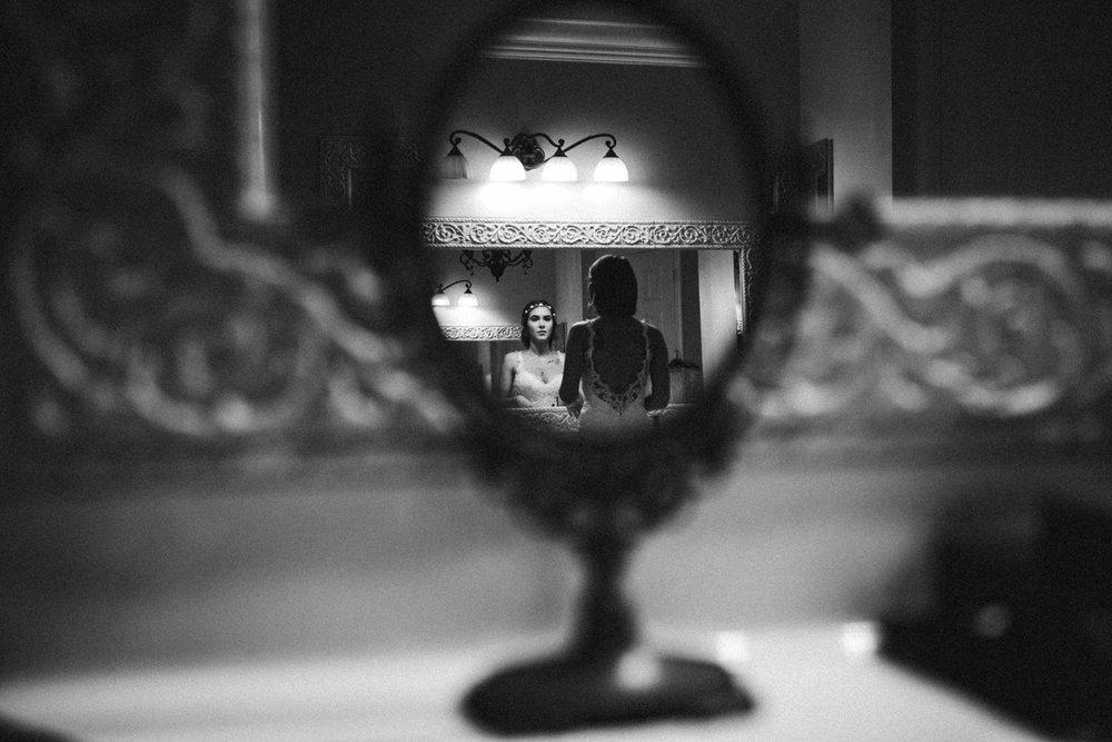 bride_getting_ready_tiny_house_photo_black_and_white_stephanie_lynn.jpg