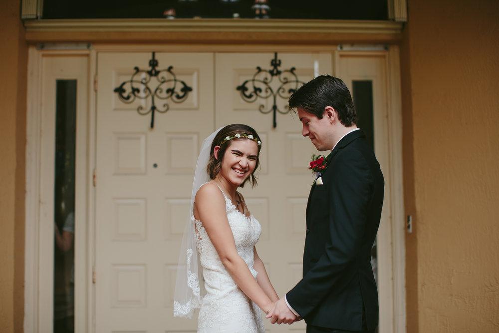 moments_bride_groom_wedding_tiny_house_photo_stephanie_lynn.jpg