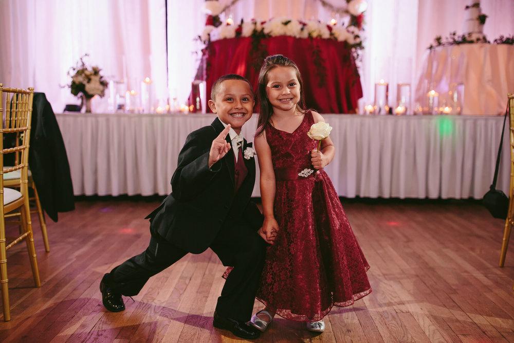 tiny_house_photo_wedding_photography_children_fun.jpg