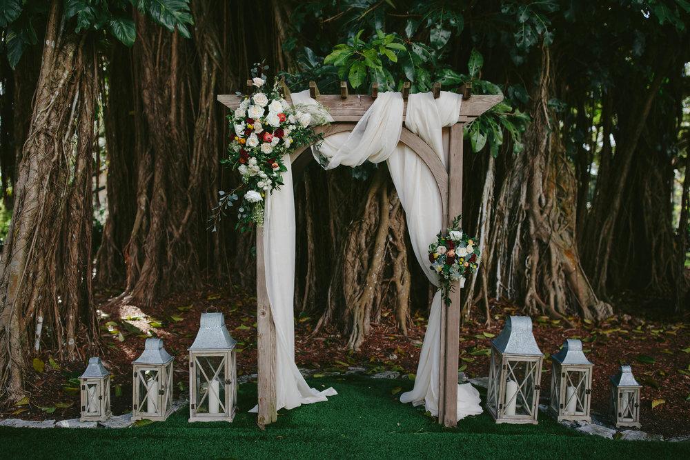 flamingo-gardens-wedding-venue-details-florals-portraits-tiny-house-photo.jpg