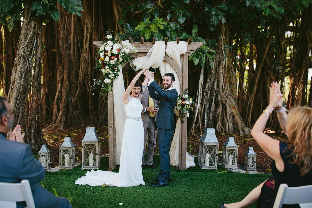 travel-wedding-photography-tiny-house-photo.jpg
