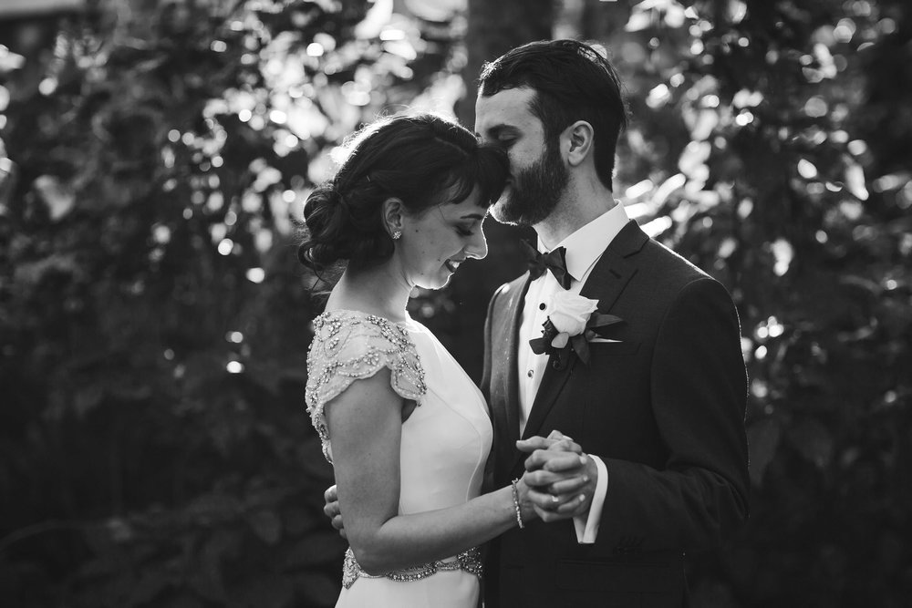 phenomenal-wedding-photography-black-and-white-tiny-house-photo.jpg