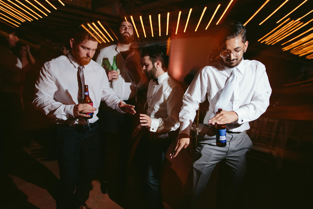 wedding-dance-moves-tiny-house-photo-documentary-weddings-photographer.jpg