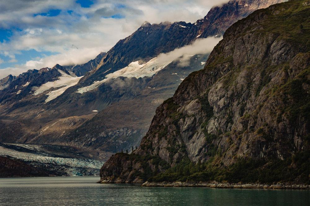 mountains_glaciers_glacier_bay_tiny_house_photo_travel_adventures-1.jpg