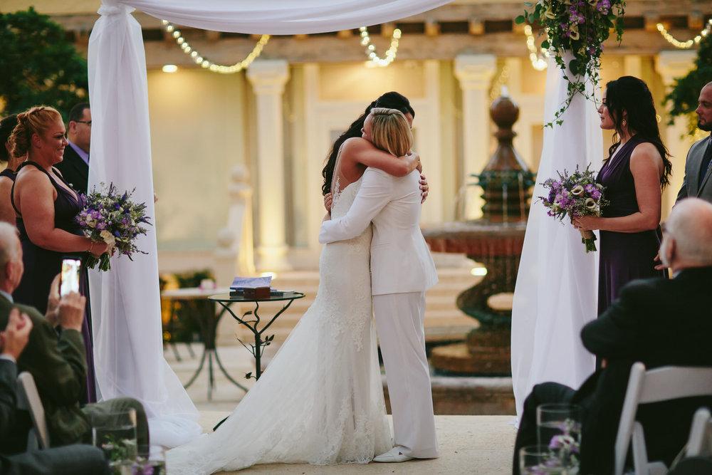 best_wedding_photographer_south_florida_tiny_house_photo.jpg