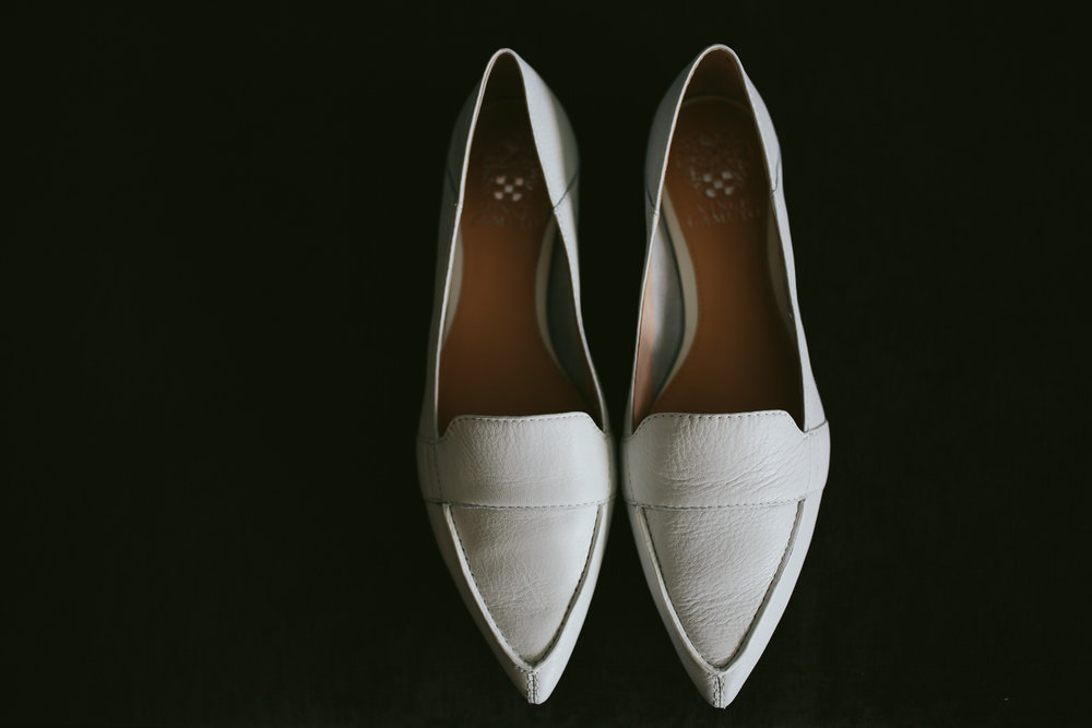 bride_shoes_tiny_house_photo_wedding_details.jpg