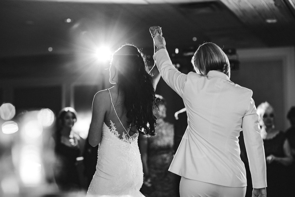 documentary_wedding_photographer_tiny_house_photo_worldwide_weddings.jpg