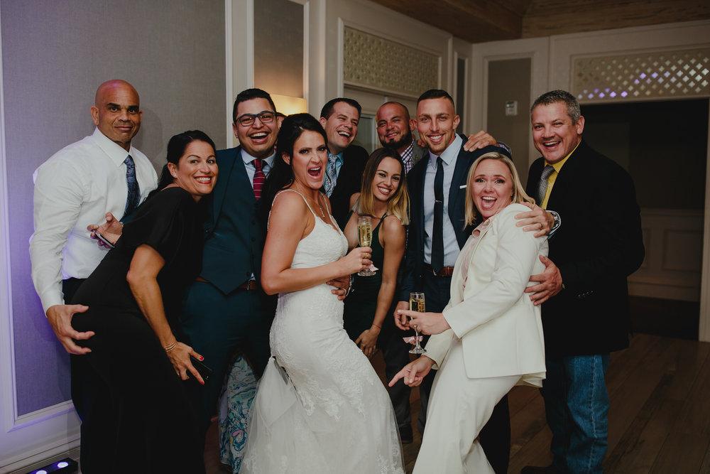 group_shot_the_addison_wedding_tiny_house_photo.jpg