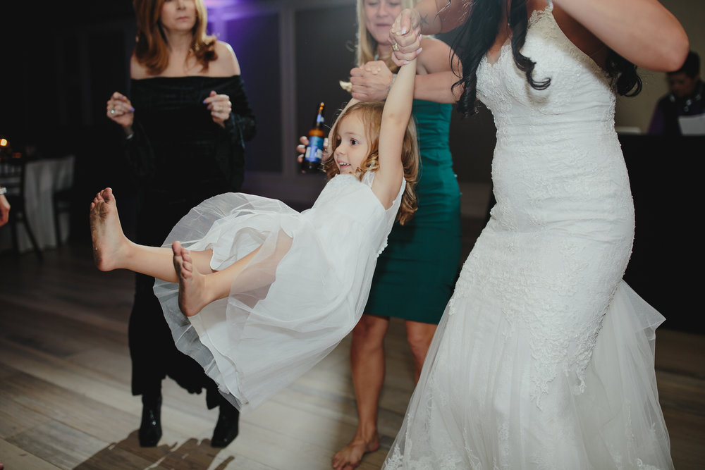 international_wedding_photographer_tiny_house_photo_documentary_weddings.jpg