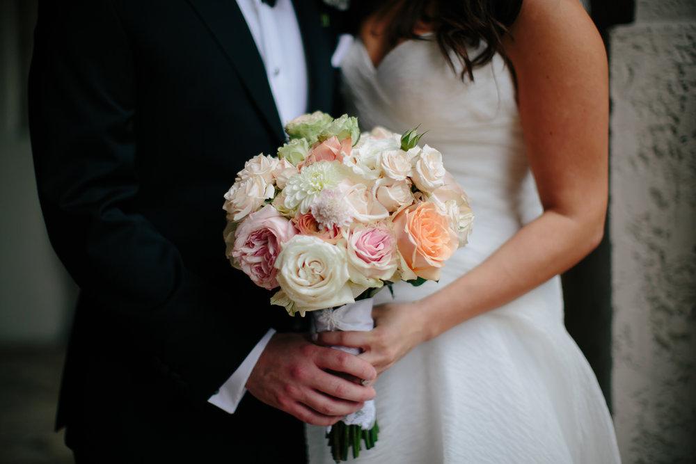 couple_weddings_tiny_house_photo_celebrity_weddings.jpg