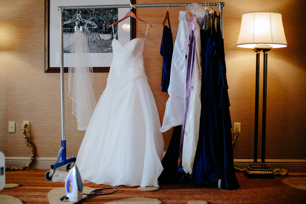 wedding_dress_steamer_tiny_house_photo_getting_ready.jpg
