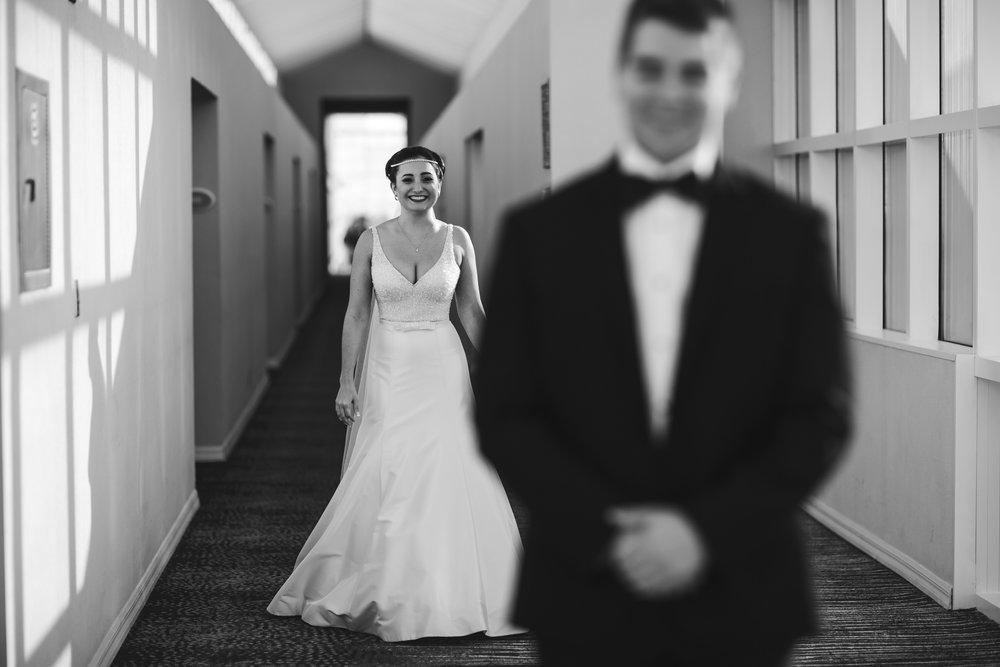 bride_first_look_tiny_house_photo_wedding_photographer.jpg