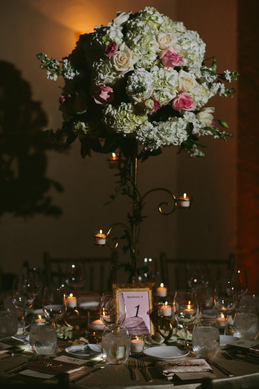 tiny_house_photo_wedding_venue_decor_love_moments_award_winning_documentary.jpg