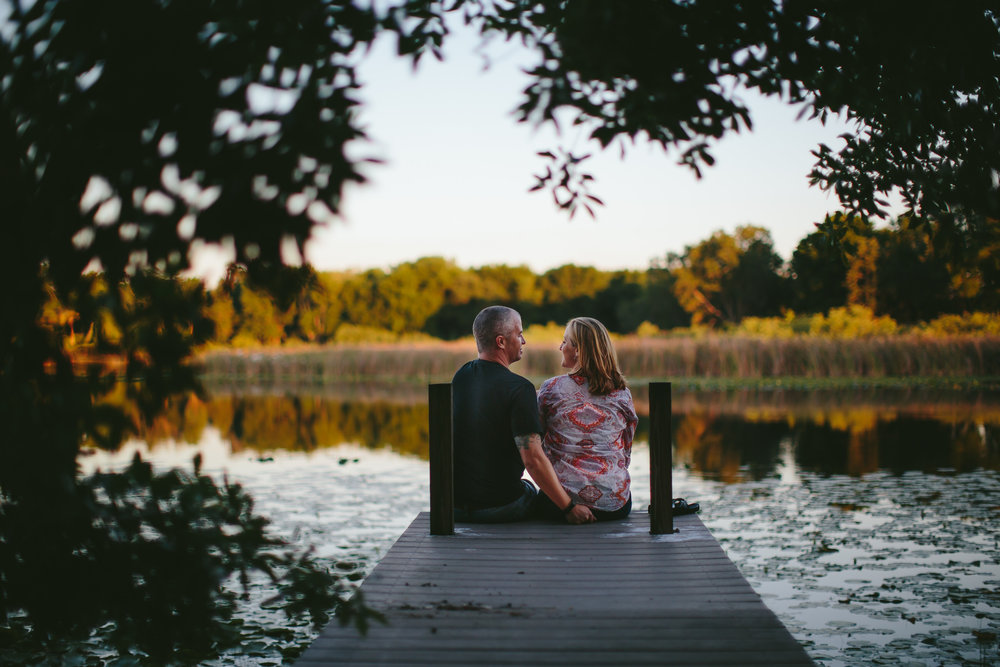 backyard_lakeside_engagement_portraits_tiny_house_photo.jpg