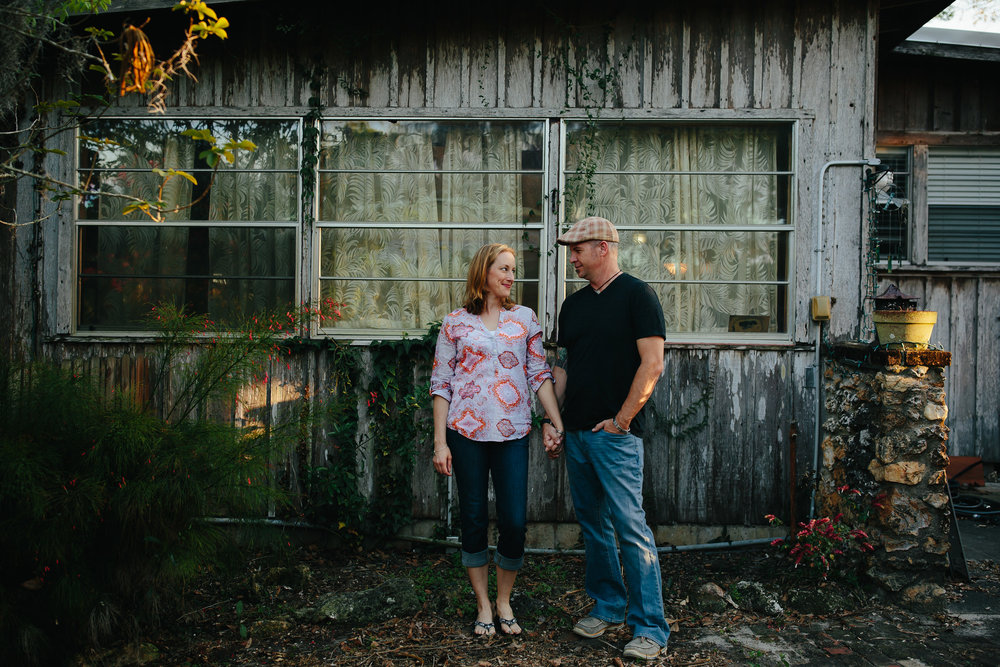engaged_couple_portraits_at_home_apopka_florida_tiny_house_photo.jpg