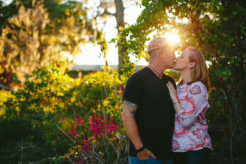 sunset_engagement_portraits_golden_house_tiny_house_photo_wedding_photographer.jpg