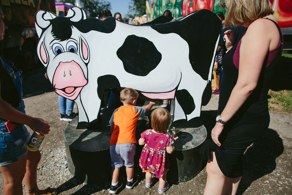family_documentary_photography_tiny_house_photo_bedners_farmers_market_florida-37.jpg