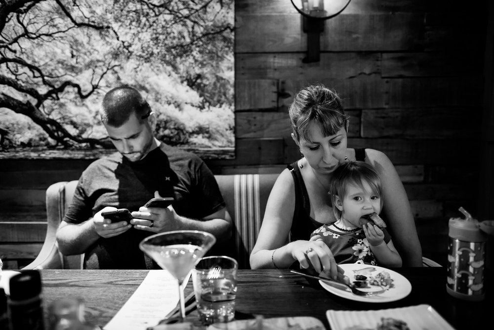 day_in_the_life_documentary_session_family_lunch-16.jpg