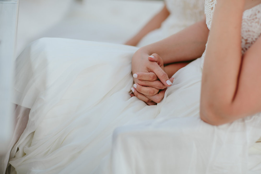 brides_holding_hands_speeches_emotional.jpg