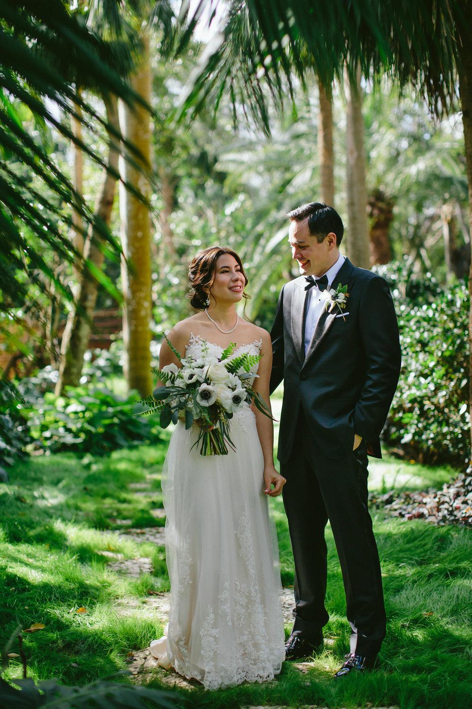 beautiful_timeless_classic_wedding_photography_tiny_house_photo_stephanie_lynn_studios_documentary_wedding_photographer.jpg
