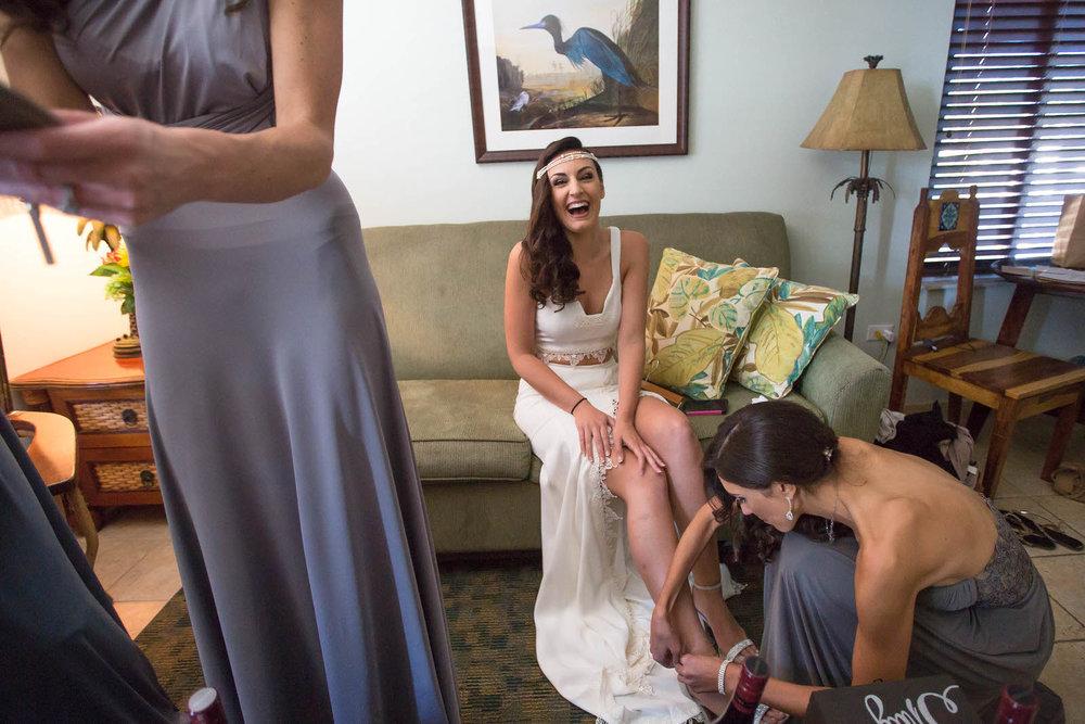 bride_getting_ready_bridesmaids.jpg