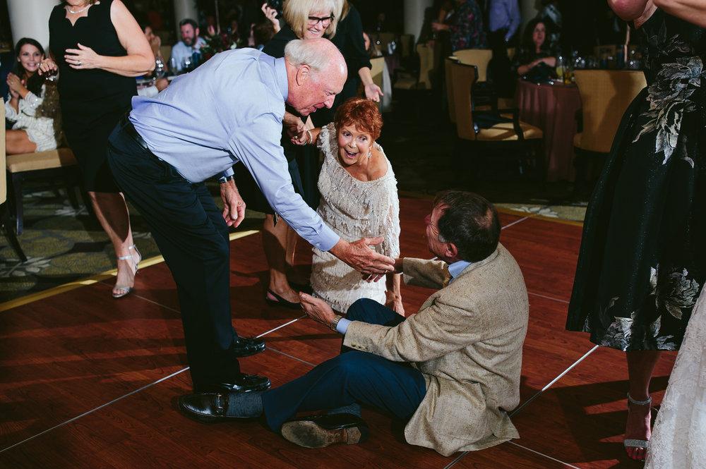 naples_wedding_wyndemere_country_club_reception-21.jpg