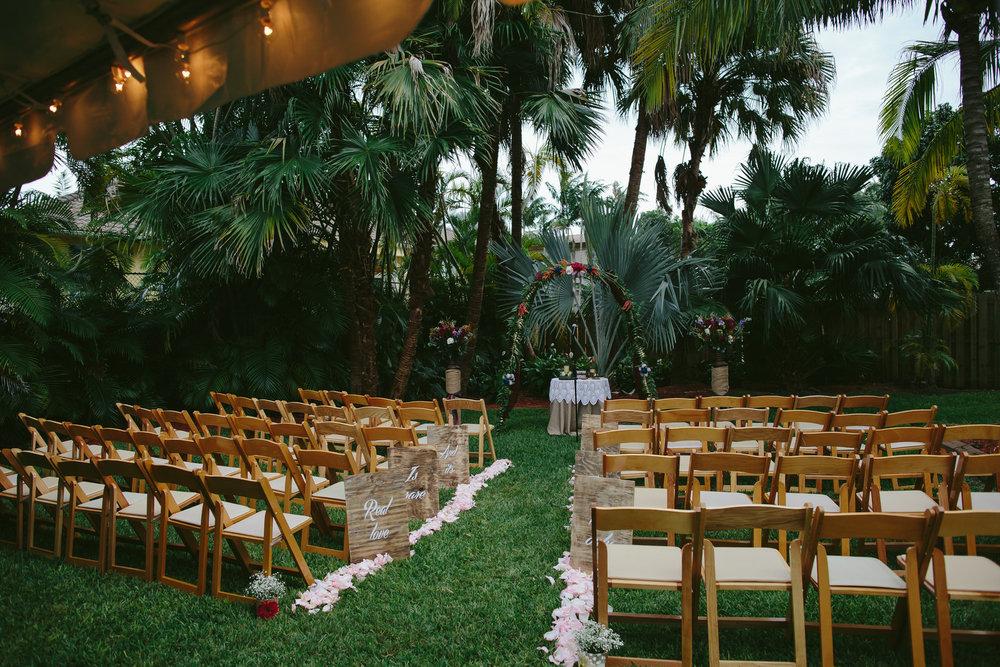 pinecrest_backyard_wedding_tiny_house_photo_candids-36.jpg