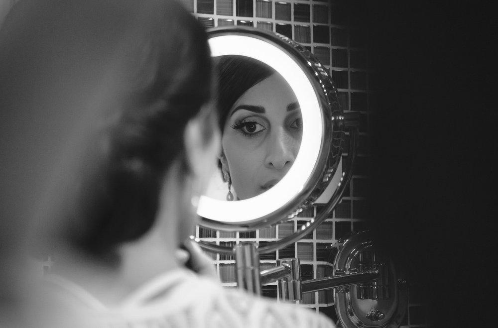 bride_mirror_makeup.jpg