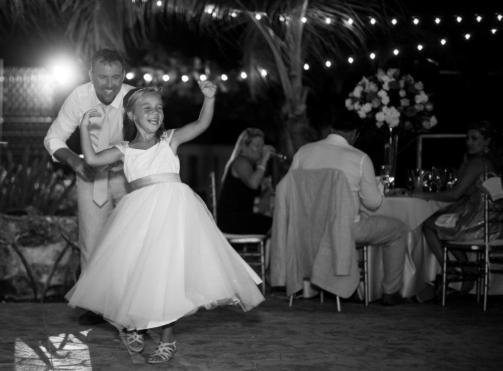 flower_girl_dancing_fun_wedidng_mexico.jpg
