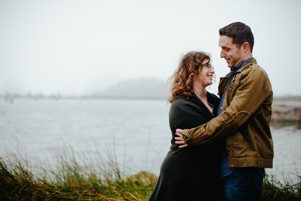 beautiful_california_landscape_engagement_session_tiny_house_photo.jpg