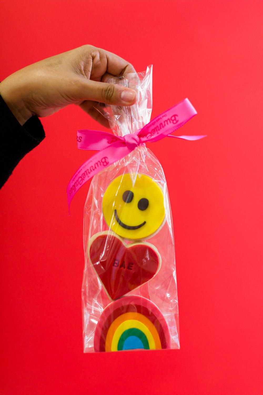 emoji_cookies_valentines_bunniecakes.jpg