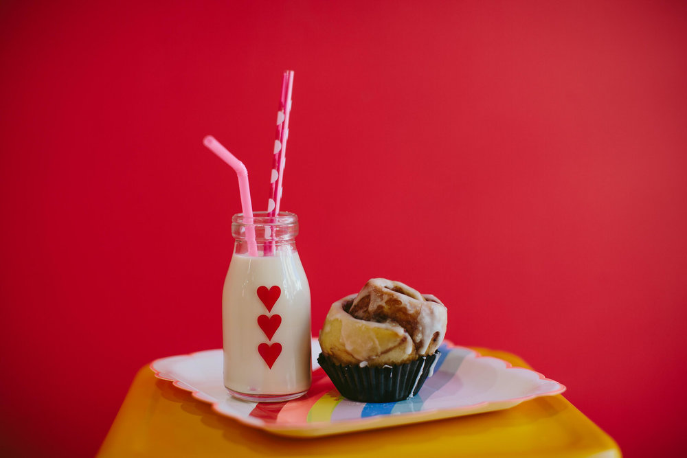 vegan_bakery_photo_session_business_branding_cinnamon_roll_bunniecakes.jpg