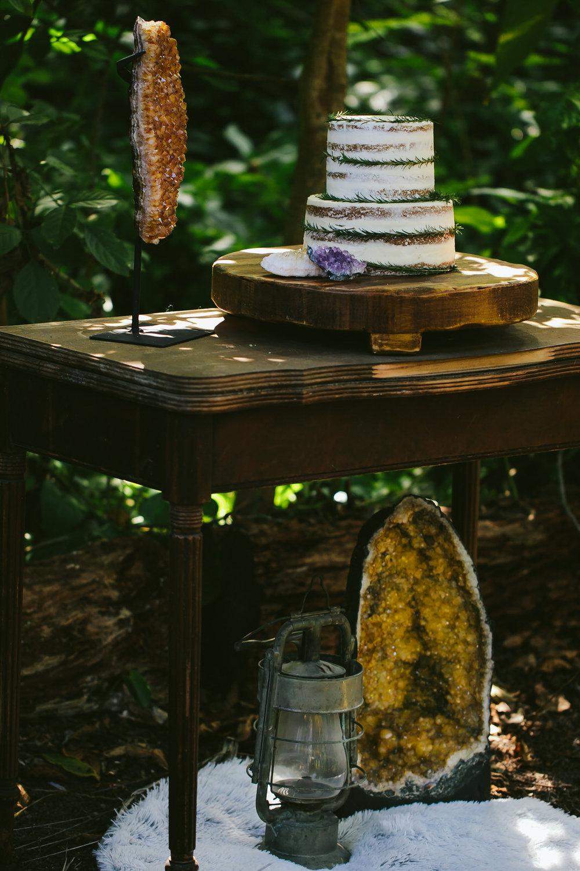 boho-wedding-stylized-shoot-tiny-house-photo-52.jpg