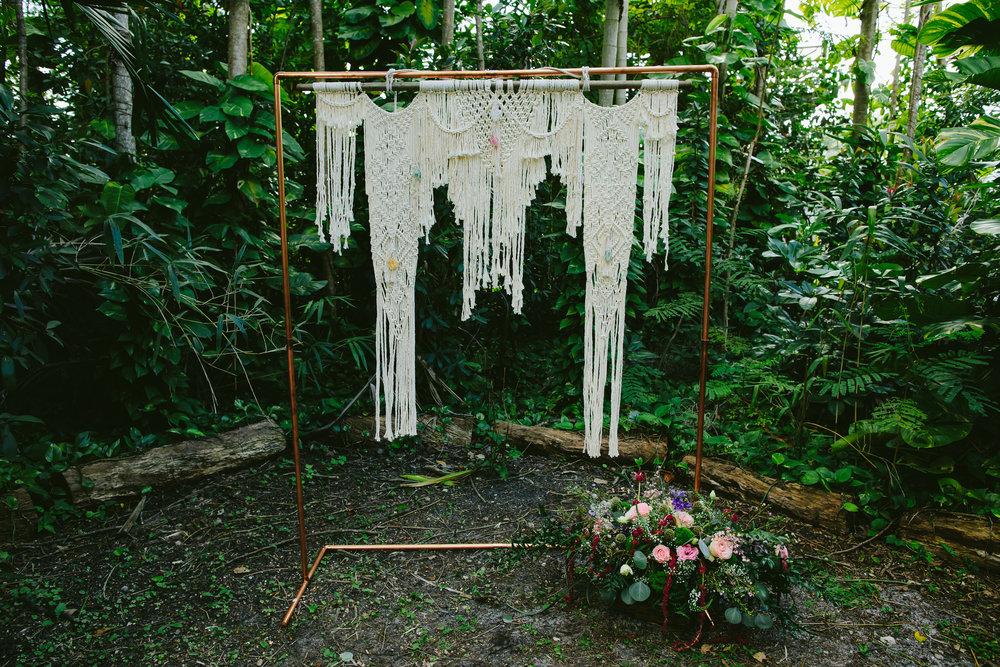 details-boho-wedding-shoot-tiny-house-photo-34.jpg