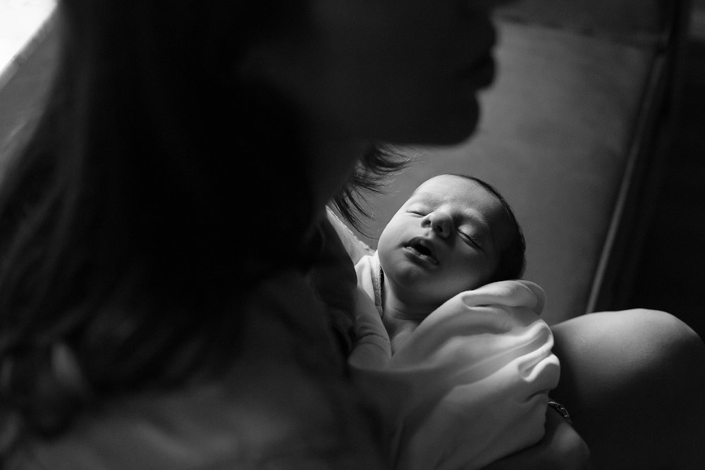 boca-raton-newborn-photographer-black-and-white-lifestyle-newborn-motherhood-moody-love-life-memories.jpg