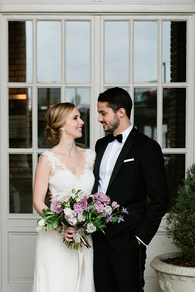 simply-charming-socials-kathryn-mccrary-atlanta-wedding-fox-theatre-bride-groom