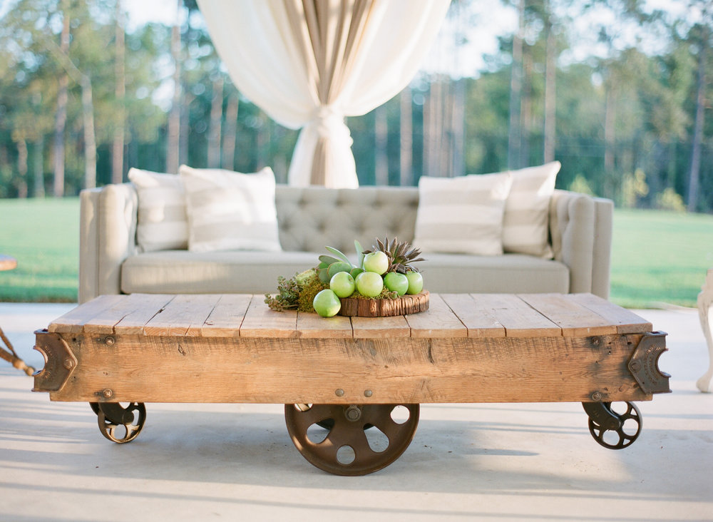 Simply-Charming-Socials_Atlanta-Wedding-Planner_Styled-Photo-Shoot_Modern-Luxury-Brides_Buffy-Dekmar-Photography_Ginny-Branch_Foxhall-Sporting-Club_8.jpg
