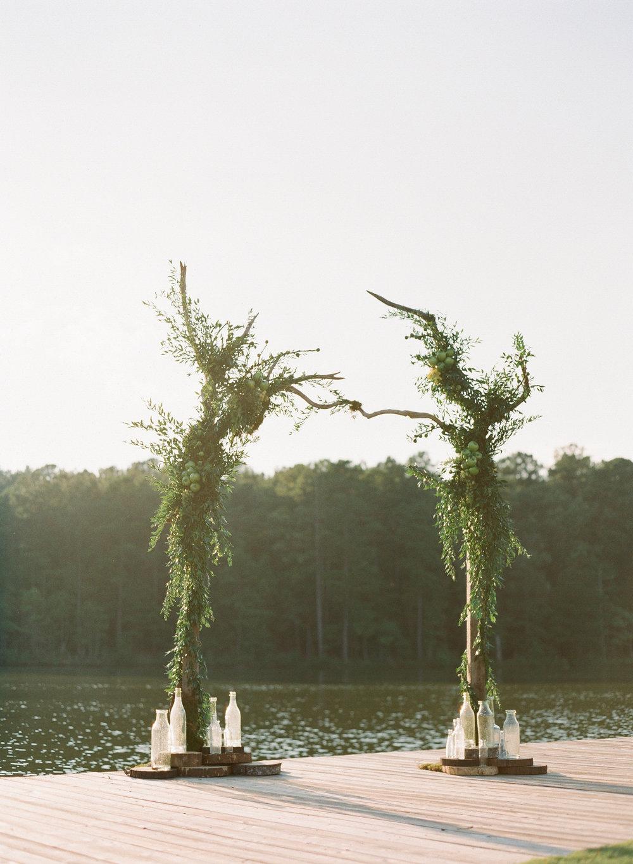 Simply-Charming-Socials_Atlanta-Wedding-Planner_Styled-Photo-Shoot_Modern-Luxury-Brides_Buffy-Dekmar-Photography_Ginny-Branch_Foxhall-Sporting-Club_21.jpg