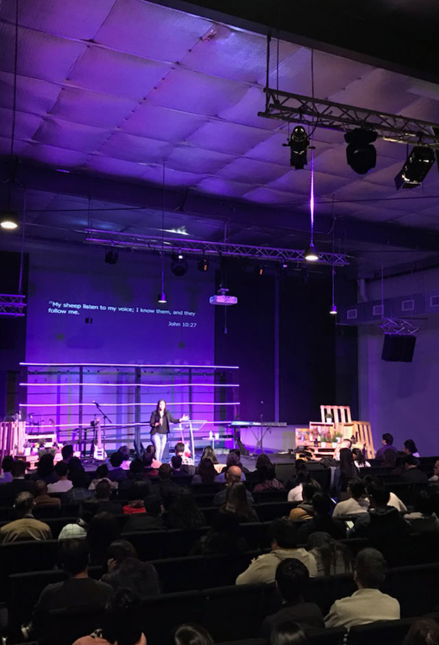 CHADSTONE - Next ServiceSunday at 10:00 AM & 3:00 PMFaithKidsSunday at 10:00 AM & 3:00 PMOne YouthFridays at 7:00 PMat our dandenong campus (transport available)Click here for more info about our Chadstone campus