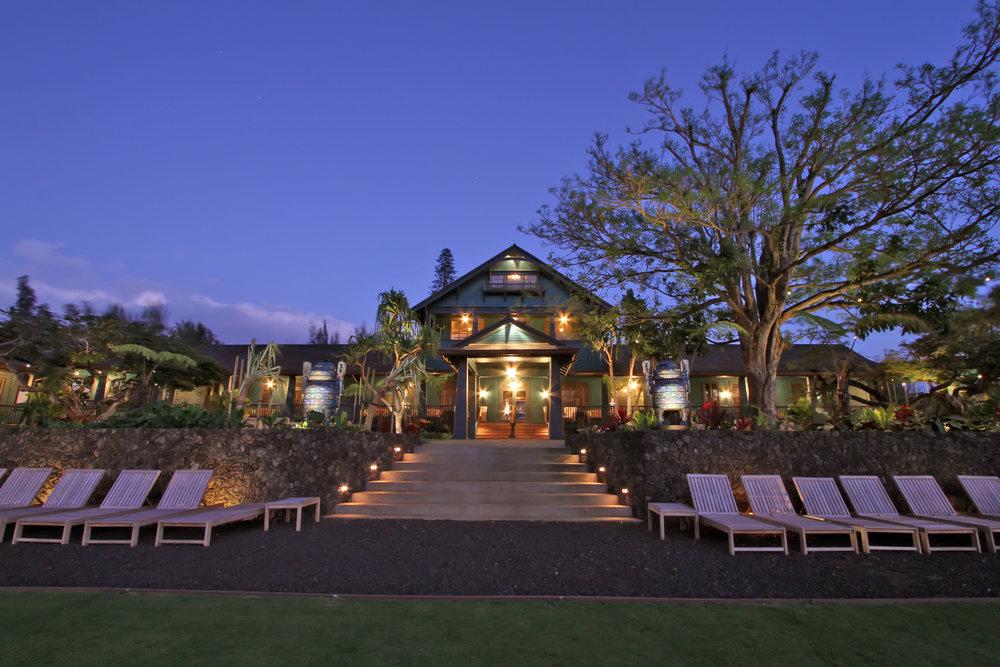 property-hero-garden-terrace-evening-view-11.jpg