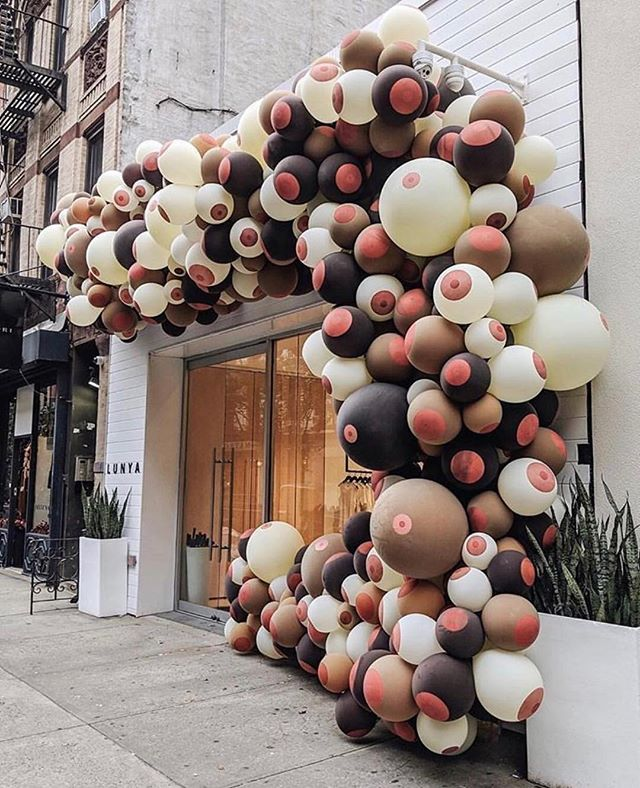 Amazing display over at @lunya in NYC for Breast Cancer Awareness Month 😍 #doula #doulaagency #breastfeeding #breastcancerawareness
