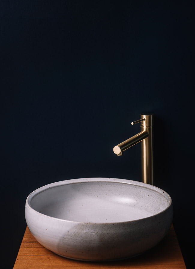 Handmade ceramic basin Lindsey Wherrett