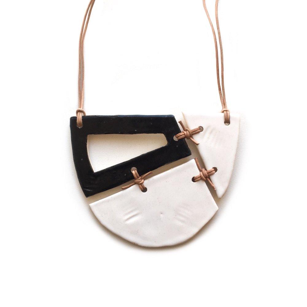 kushins_bw_ceramic_necklace12v2.JPG