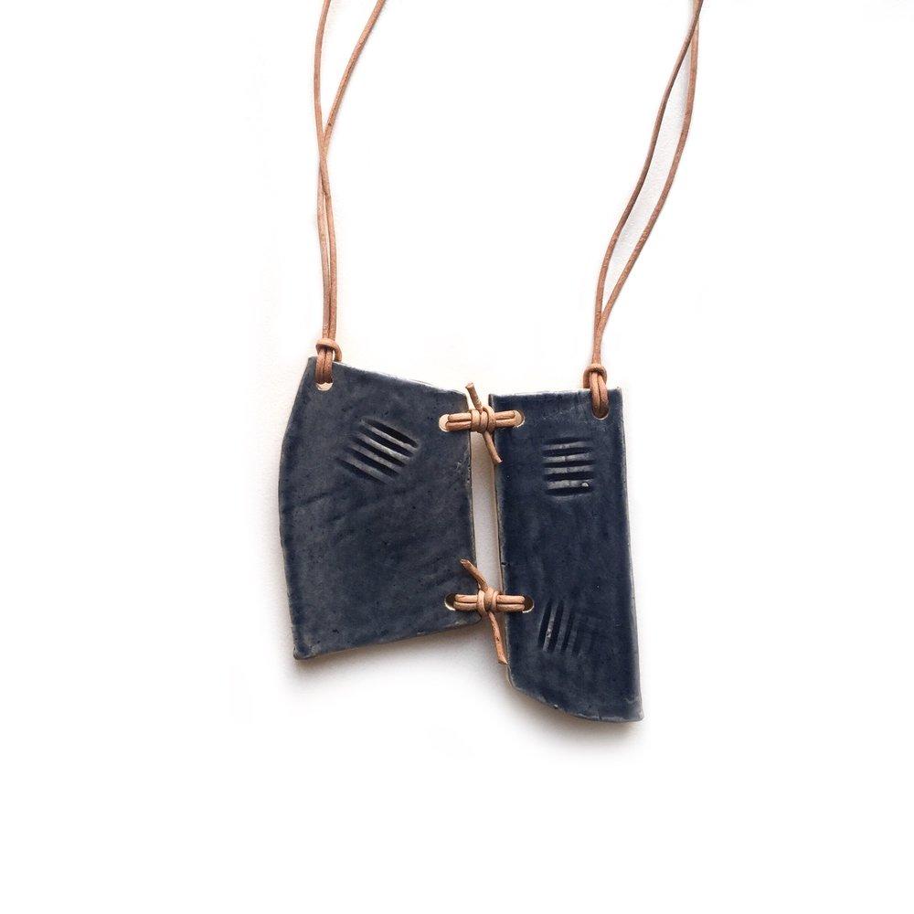 kushins_bw_ceramic_necklace21v2.JPG