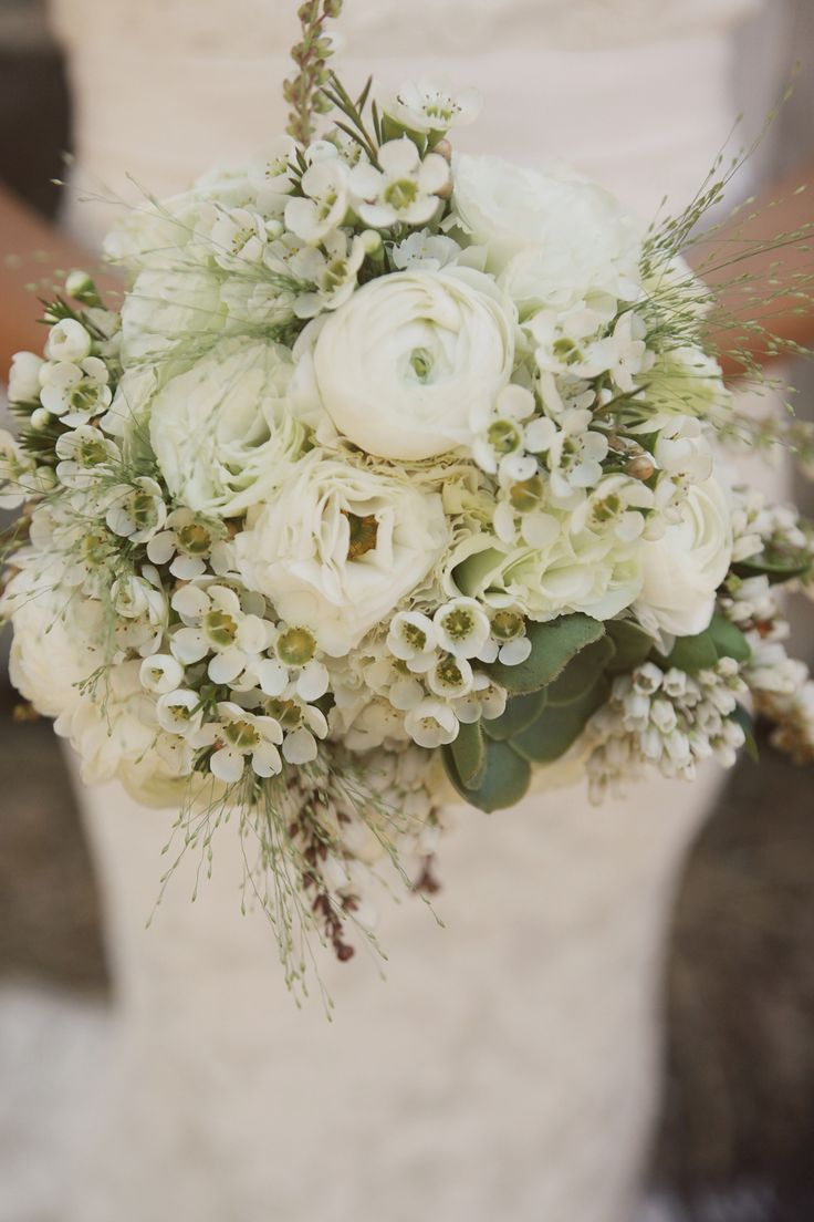 https://www.modwedding.com/2015/02/color-inspiration-fresh-white-ivory-wedding-ideas/