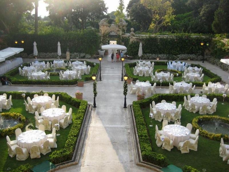 Palazzo_Parisio_Garden_Gala_Dinner (800x600).jpg
