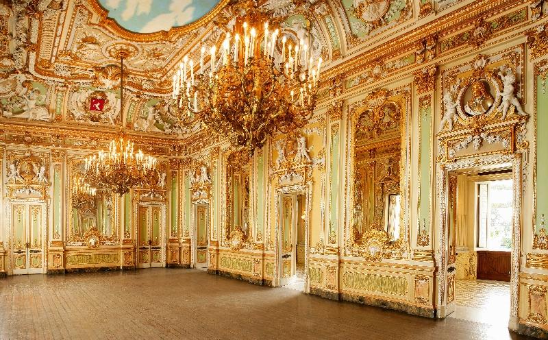 Palazzo_Parisio__Baroque_Ball_Room (800x496).jpg