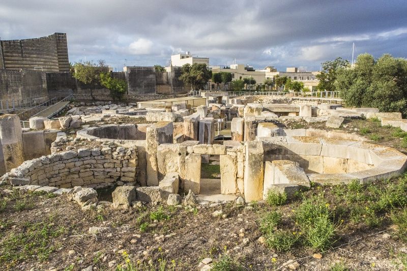 Tarxien_Temples_3 (800x533).jpg